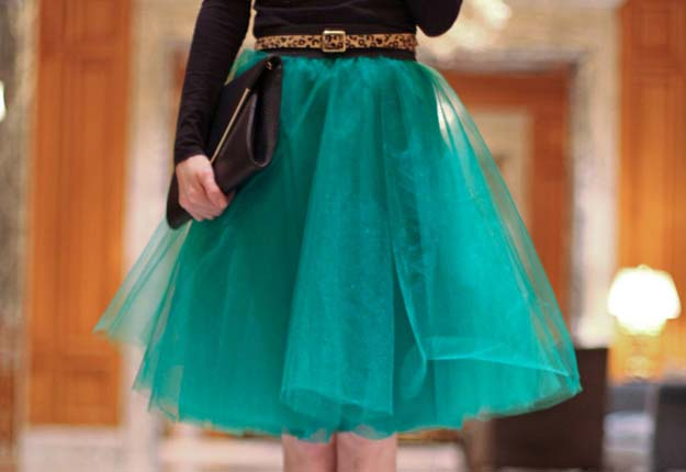 DIY Projects for Teen Girls to Make in Under an Hour - Easy Tulle Skirt Sewing Tutorial - DIY Projects & Crafts by DIY JOY at http://diyjoy.com/quick-diy-projects-fast-crafts-ideas