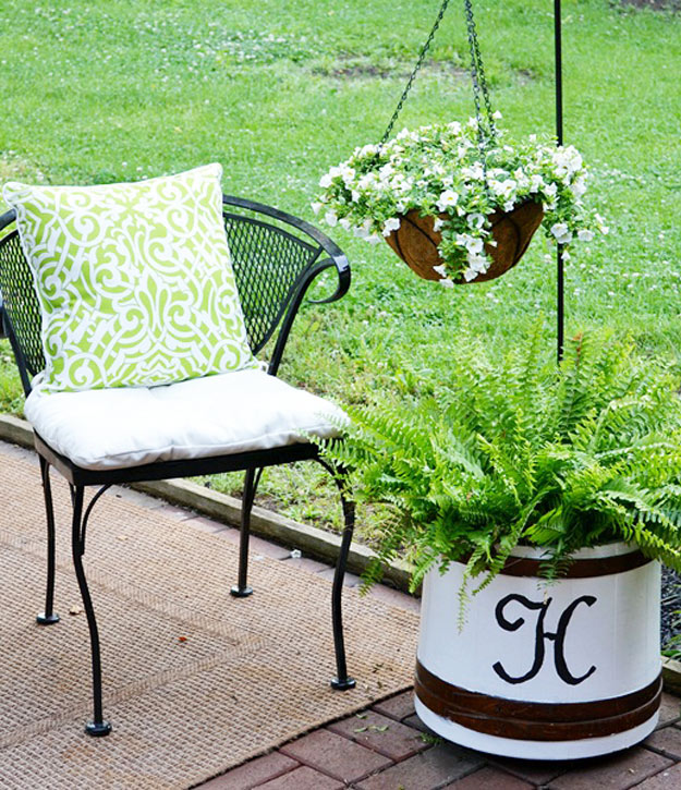 DIY Furniture Store KnockOffs - Do It Yourself Furniture Projects Inspired by Pottery Barn, Restoration Hardware, West Elm. Tutorials and Step by Step Instructions | Ballard Designs Knock-Off Planter | http://diyjoy.com/diy-furniture-store-knockoffs