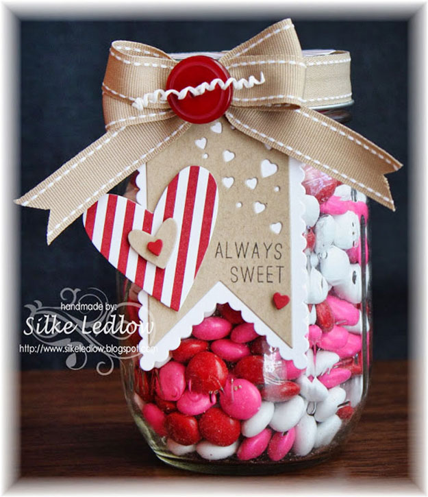Beautiful-Paper-Craft-and-Mason-Jar-Gift-Idea-for-Valentines