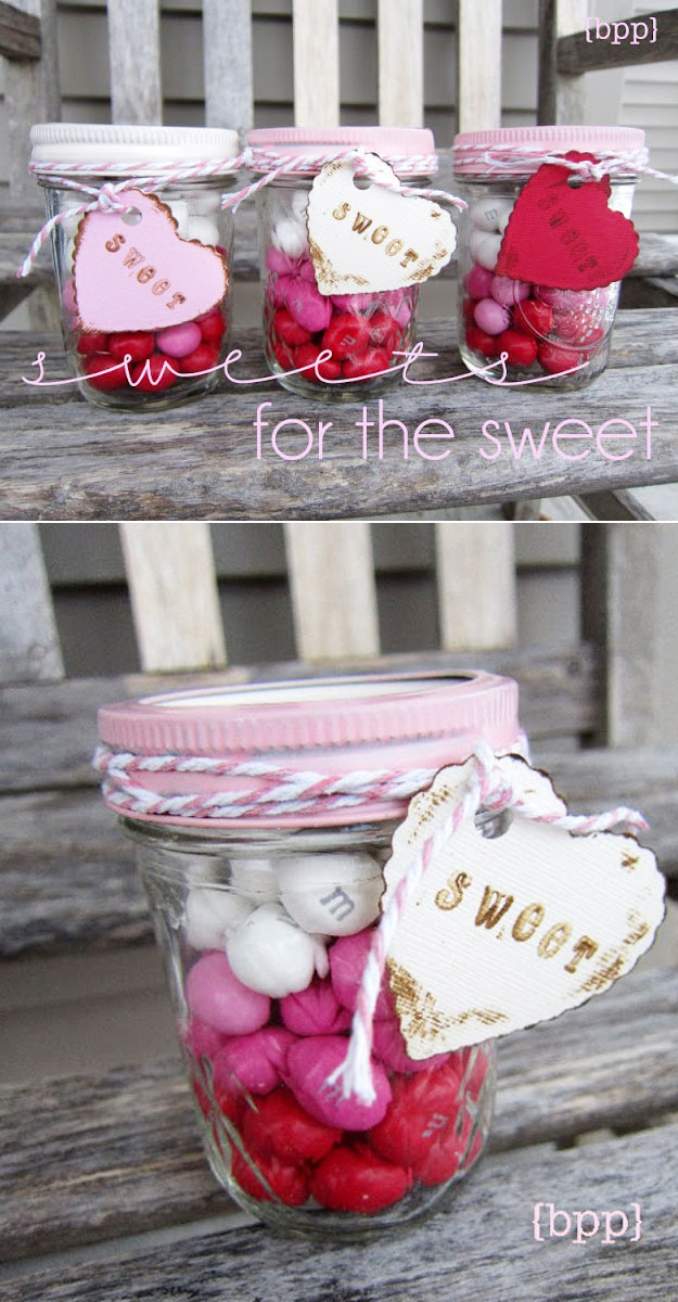 Mason Jar Valentine Gifts and Crafts | DIY Ideas for Valentines Day for Cute Gift Giving and Decor | Layered Candy Mason Jars | http://diyjoy.com/mason-jar-valentine-crafts