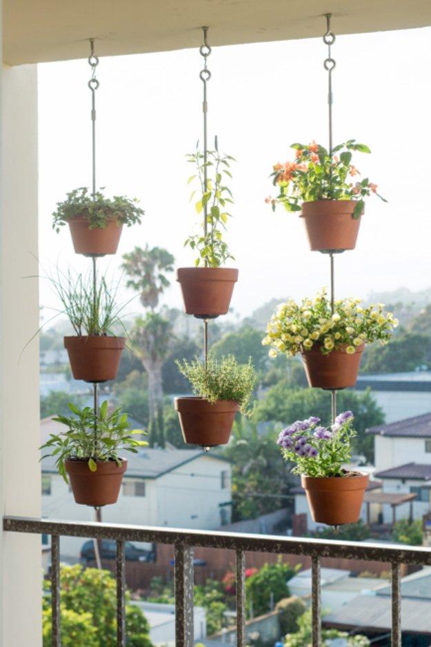 43 DIY Patio and Porch Decor Ideas - DIY Joy on Diy Garden Patio Ideas id=24973