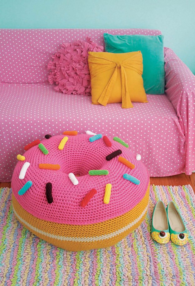 Fabulous DIY Poufs and Ottomans - Giant Donut Floor Pouf - Step by Step Tutorials and Easy Patterns for Cool Home Decor. Crochet, No Sew, Leather, Moroccan Boho, Knit and Fun Fur Projects and Chair Ideas #diy #diyfurniture #sewing