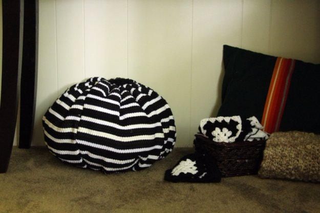Fabulous DIY Poufs and Ottomans - Make a Pouf from Throw Rugs - Step by Step Tutorials and Easy Patterns for Cool Home Decor. Crochet, No Sew, Leather, Moroccan Boho, Knit and Fun Fur Projects and Chair Ideas #diy #diyfurniture #sewing
