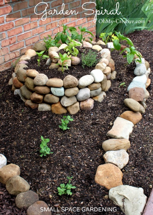 DIY Ideas for Your Garden - Small Vegetable Garden Using a Garden Spiral - Cool Projects for Spring and Summer Gardening - Planters, Rocks, Markers and Handmade Decor for Outdoor Gardens