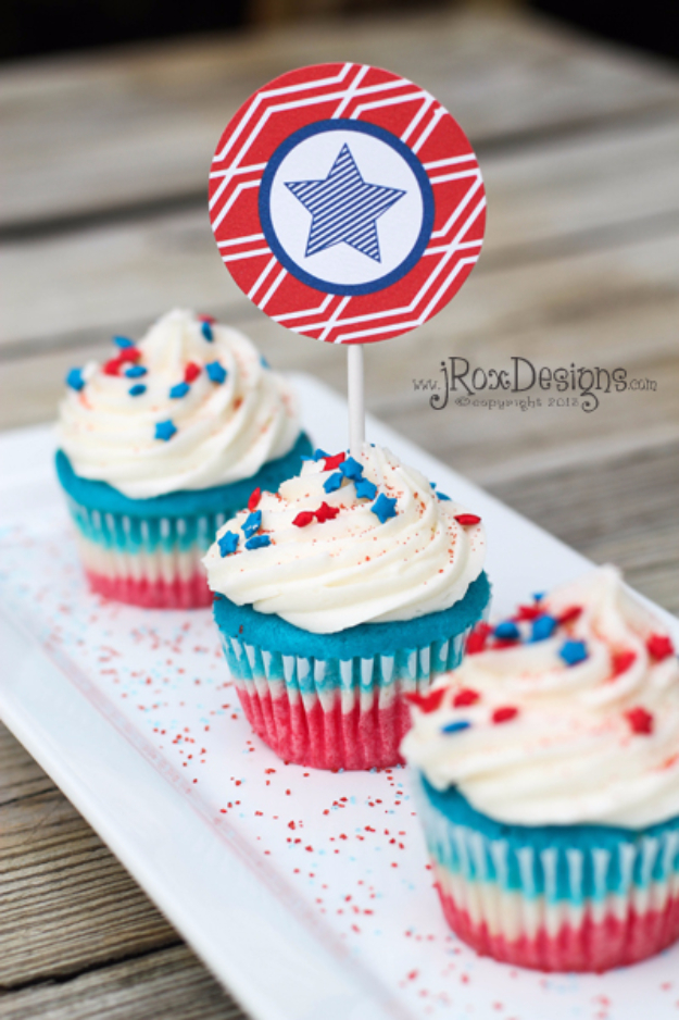 Best Fourth of July Food and Drink Ideas - 4th Of July Cupcakes - BBQ on the 4th with these Desserts, Recipes and Ideas for Healthy Appetizers, Party Trays, Easy Meals for a Crowd and Fun Drink Ideas http://diyjoy.com/diy-fourth-of-july-party-ideas