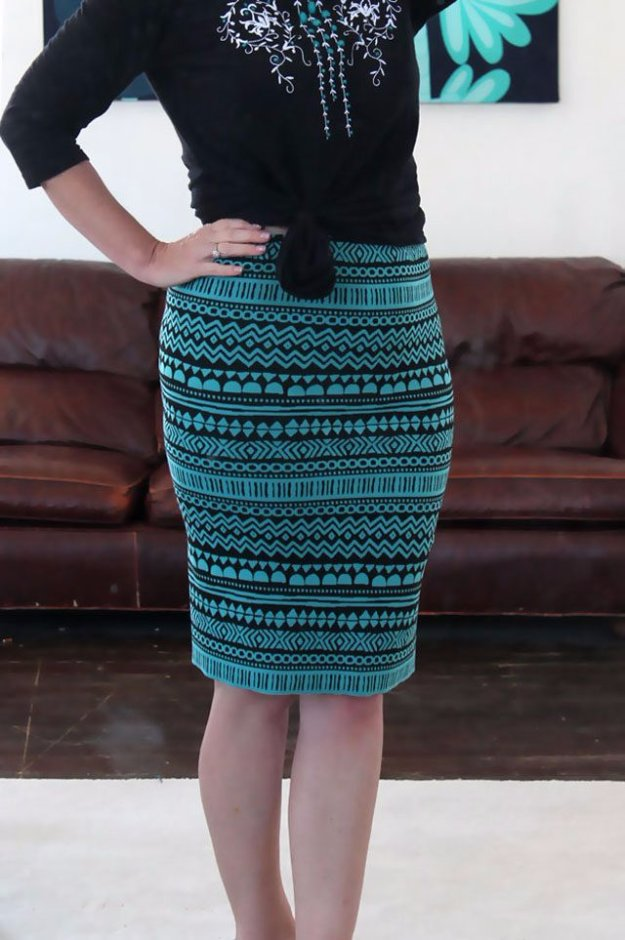 DIY Sewing Projects for Women - DIY Stretch Knit Pencil Skirt - How to Sew Dresses, Blouses, Pants, Tops and Fashion. Step by Step Tutorials and Instructions http://diyjoy.com/diy-sewing-projects-for-women