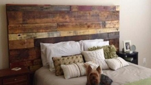 DIY Headboard Ideas - Rustic Headboard Made Out of Pallets - Easy and Cheap Do It Yourself Headboards - Upholstered, Wooden, Fabric Tufted, Rustic Pallet, Projects With Lights, Storage and More Step by Step Tutorials http://diyjoy.com/diy-headboards