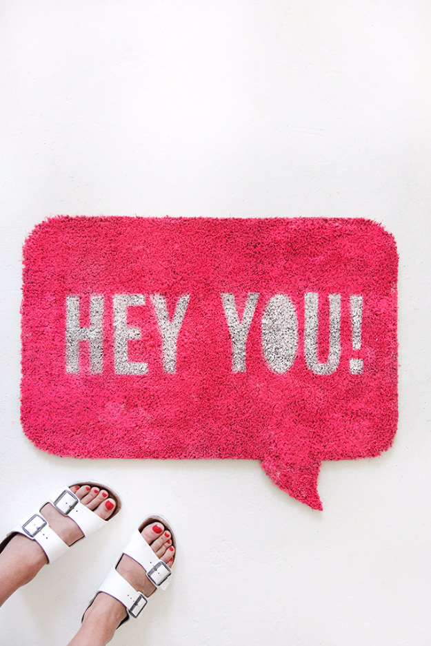 DIY Welcome Mats - Quote Bubble Welcome Mat - Greet Guests in Style with These Easy and Cheap Home Decor Ideas for Your Entry. Doormat Tutorials for Creative Ways to Cover Your Floors and Front Door http://diyjoy.com/diy-welcome-mats