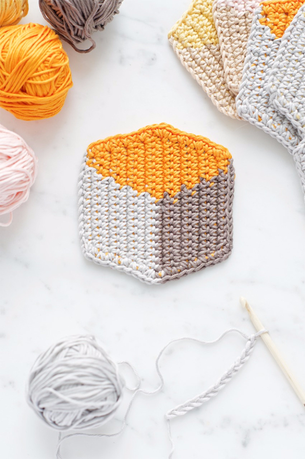 35 Easy Crochet Patterns - 3D Cube Style Crochet Coasters - Crochet Patterns For Beginners, Quick And Easy Crochet Patterns, Crochet Ideas To Try, Crochet Ideas To Make And Sell, Easy Crochet Ideas http://diyjoy.com/easy-crochet-patterns
