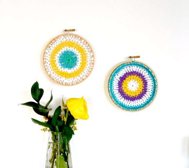 35 Easy Crochet Patterns - Crochet Mandala Hoops - Crochet Patterns For Beginners, Quick And Easy Crochet Patterns, Crochet Ideas To Try, Crochet Ideas To Make And Sell, Easy Crochet Ideas http://diyjoy.com/easy-crochet-patterns