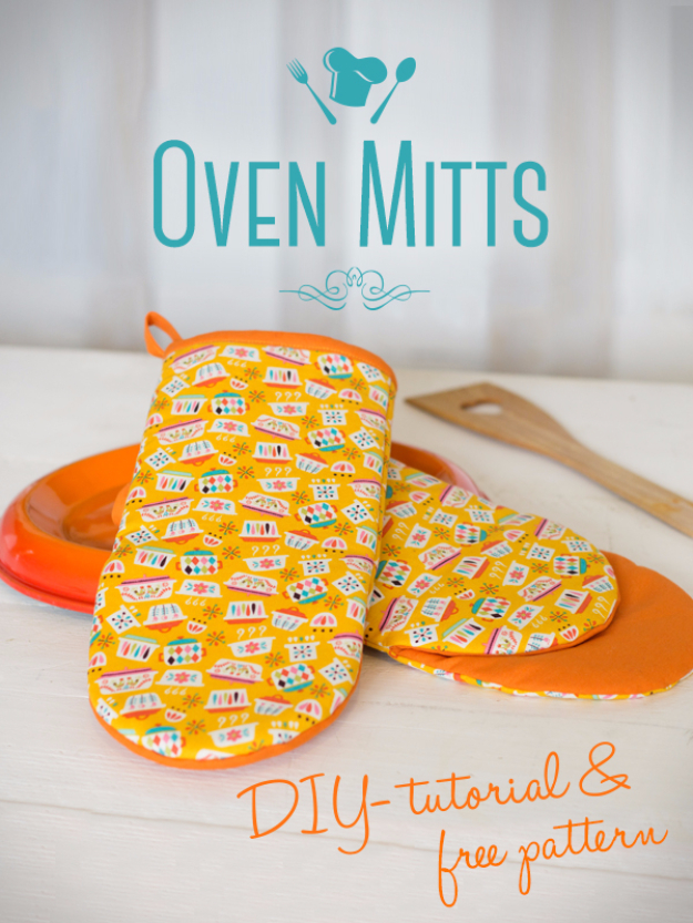 Quick DIY Gifts You Can Sew - Cute Oven Mitts - Best Sewing Projects for Gift Giving and Simple Handmade Presents - Free Patterns and Easy Step by Step Tutorials for Home Decor, Baby, Women, Kids, Men, Girls http://diyjoy.com/quick-diy-gifts-sew