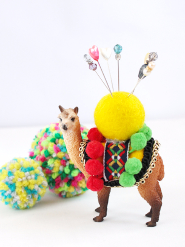 DIY Gifts for Mom - Plastic Animal Pin Cushion - Best Craft Projects and Gift Ideas You Can Make for Your Mother - Last Minute Presents for Birthday and Christmas - Creative Photo Projects, Bath Ideas, Gift Baskets and Thoughtful Things to Give Mothers and Moms http://diyjoy.com/diy-gifts-for-mom