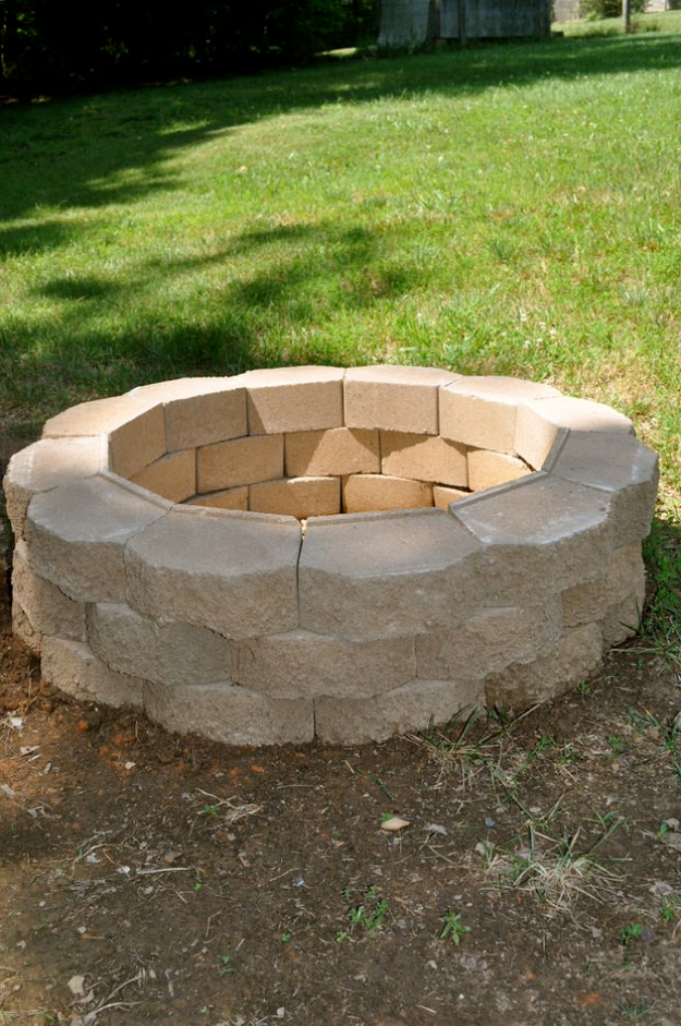 31 DIY Outdoor Fireplace and Firepit Ideas - DIY Joy on Diy Outdoor Fire  id=56837