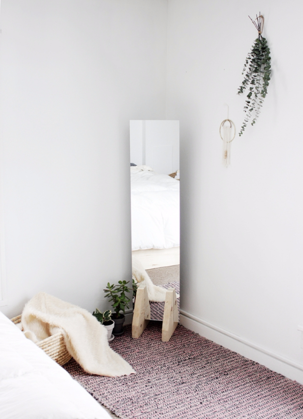 DIY Mirrors - DIY Minimal Floor Mirror - Best Do It Yourself Mirror Projects and Cool Crafts Using Mirrors - Home Decor, Bedroom Decor and Bath Ideas - Step By Step Tutorials With Instructions http://diyjoy.com/diy-mirrors
