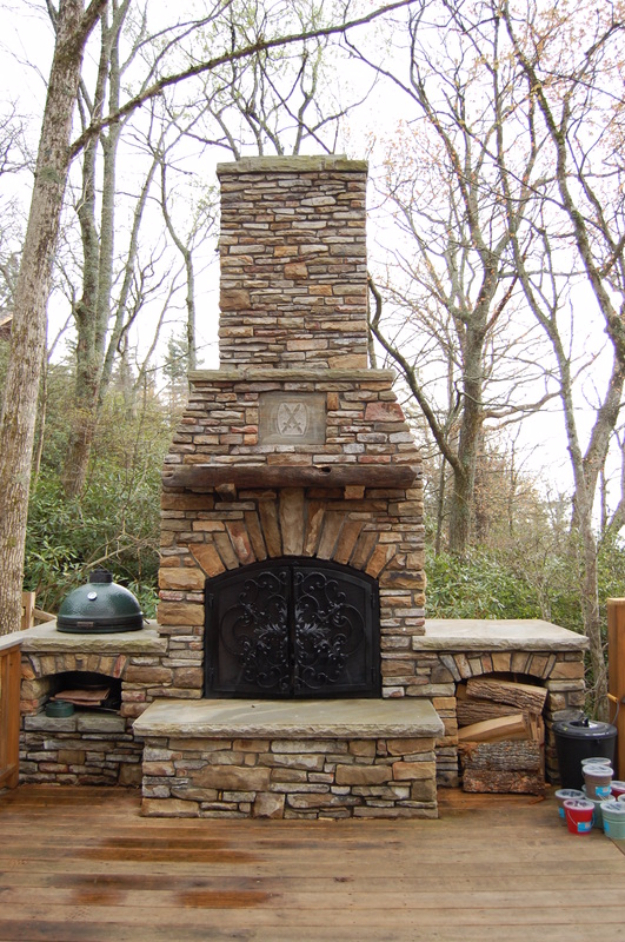 31 DIY Outdoor Fireplace and Firepit Ideas - DIY Joy on Simple Outdoor Brick Fireplace id=17701