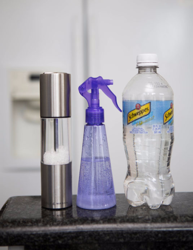 DIY Beauty Hacks - Make Your Own Salt Spray With Seltzer And Rock Salt - Cool Tips for Makeup, Hair and Nails - Step by Step Tutorials for Fixing Broken Makeup, Eye Shadow, Mascara, Foundation - Quick Beauty Ideas for Best Looks in A Hurry http://diyjoy.com/diy-beauty-hacks