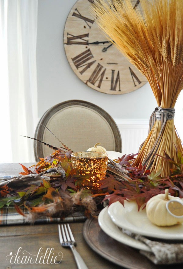 Best Thanksgiving Centerpieces and Table Decor - Simple Thanksgiving Table Setting - Creative Crafts for Your Thanksgiving Dinner Table. Mason Jars, Flowers, Leaves, Candles and Pumkin Decorations for Your FallHome Decor http://diyjoy.com/best-thanksgiving-centerpieces