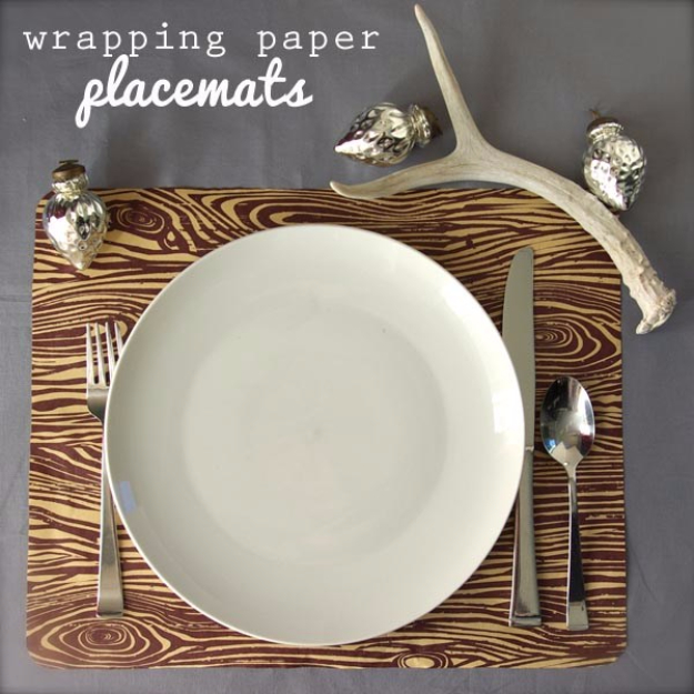 Best Thanksgiving Centerpieces and Table Decor - Wrapping Paper Placemats - Creative Crafts for Your Thanksgiving Dinner Table. Mason Jars, Flowers, Leaves, Candles and Pumkin Decorations for Your FallHome Decor http://diyjoy.com/best-thanksgiving-centerpieces