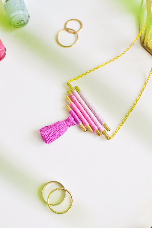 Best DIY Gifts for Neighbors - DIY Ombre Necklace - Cute Mason Jar Crafts, Gift Baskets and Cheap and Easy Gift Ideas to Make for Friends - Do It Yourself Projects You Can Sew and Craft That Make Awesome DIY Gifts and Homemade Christmas Presents http://diyjoy.com/diy-gifts-friends-neighbors