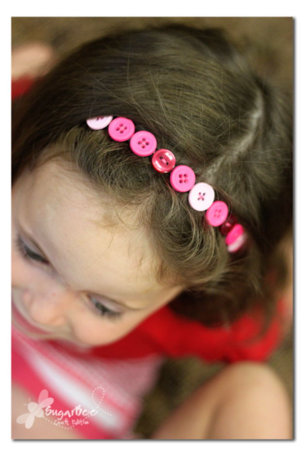 DIY Projects and Crafts Made With Buttons - Button Headband - Easy and Quick Projects You Can Make With Buttons - Cool and Creative Crafts, Sewing Ideas and Homemade Gifts for Women, Teens, Kids and Friends - Home Decor, Fashion and Cheap, Inexpensive Fun Things to Make on A Budget http://diyjoy.com/diy-projects-buttons