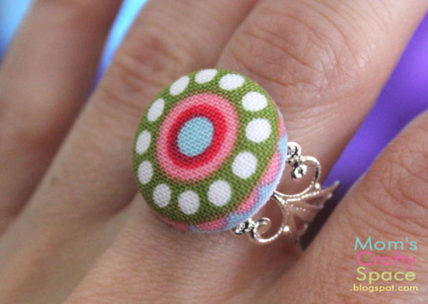 DIY Projects and Crafts Made With Buttons - Fabric Button Accessories - Easy and Quick Projects You Can Make With Buttons - Cool and Creative Crafts, Sewing Ideas and Homemade Gifts for Women, Teens, Kids and Friends - Home Decor, Fashion and Cheap, Inexpensive Fun Things to Make on A Budget http://diyjoy.com/diy-projects-buttons
