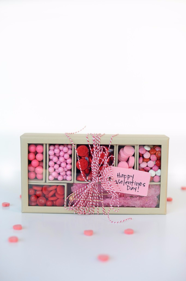 Best DIY Valentines Day Gifts - Pink And Red Candy Box - Cute Mason Jar Valentines Day Gifts and Crafts for Him and Her | Boyfriend, Girlfriend, Mom and Dad, Husband or Wife, Friends - Easy DIY Ideas for Valentines Day for Homemade Gift Giving and Room Decor | Creative Home Decor and Craft Projects for Teens, Teenagers, Kids and Adults http://diyjoy.com/diy-valentines-day-gift-ideas