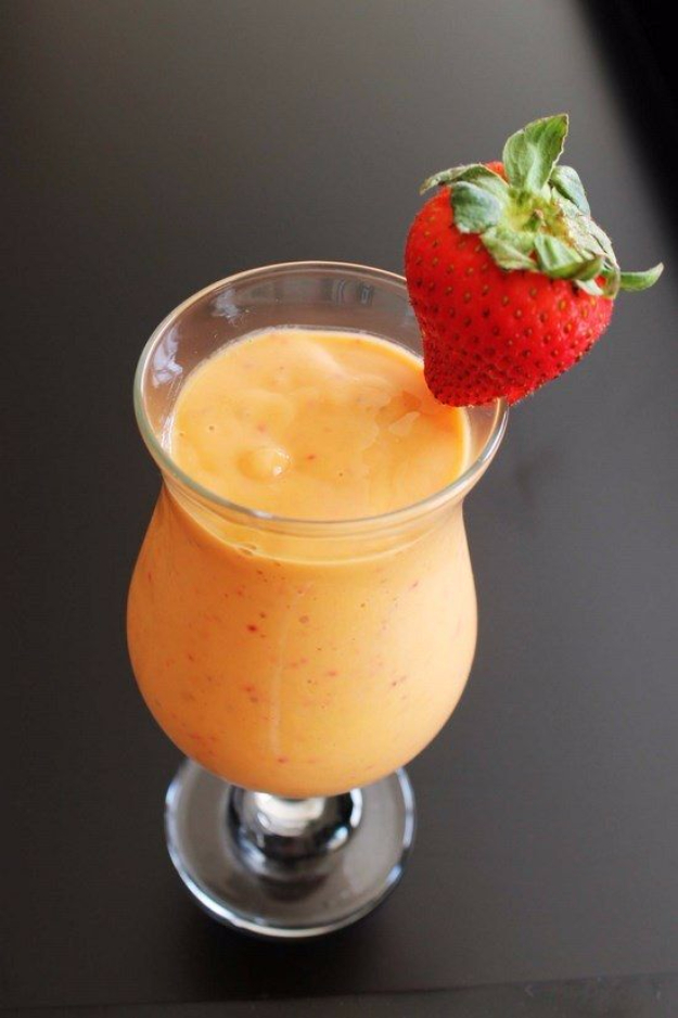 Healthy Smoothie Recipes - Strawberry Mango Smoothie - Easy ideas perfect for breakfast, energy. Low calorie and high protein recipes for weightloss and to lose weight. Simple homemade recipe ideas that kids love. Quick EASY morning recipes before work and school, after workout http://diyjoy.com/healthy-smoothie-recipes