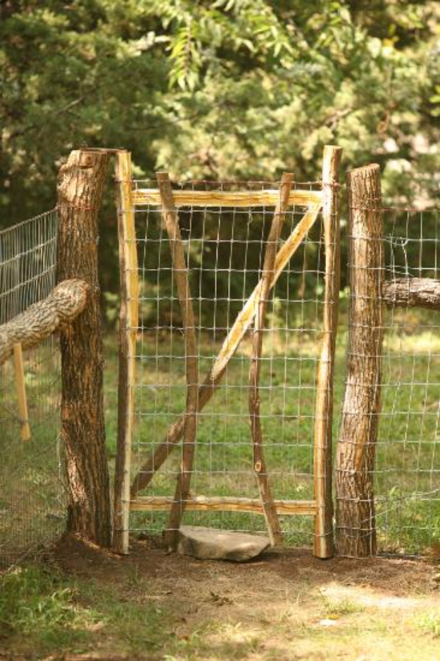 DIY Fences and Gates - Beautiful Rustic Dog Fence - How To Make Easy Fence and Gate Project for Backyard and Home - Step by Step Tutorial and Ideas for Painting, Updating and Making Fences and DIY Gate - Cool Outdoors and Yard Projects http://diyjoy.com/diy-fences-gates