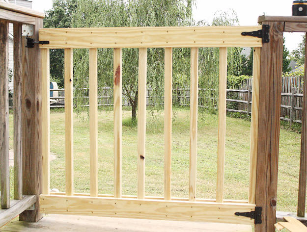 DIY Fences and Gates - DIY Deck Stair Gate - How To Make Easy Fence and Gate Project for Backyard and Home - Step by Step Tutorial and Ideas for Painting, Updating and Making Fences and DIY Gate - Cool Outdoors and Yard Projects http://diyjoy.com/diy-fences-gates