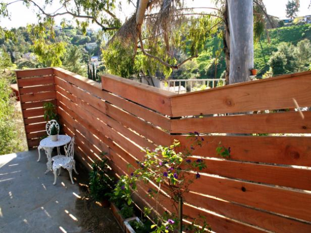 DIY Fences and Gates - Horizontal Plank Fence - How To Make Easy Fence and Gate Project for Backyard and Home - Step by Step Tutorial and Ideas for Painting, Updating and Making Fences and DIY Gate - Cool Outdoors and Yard Projects http://diyjoy.com/diy-fences-gates