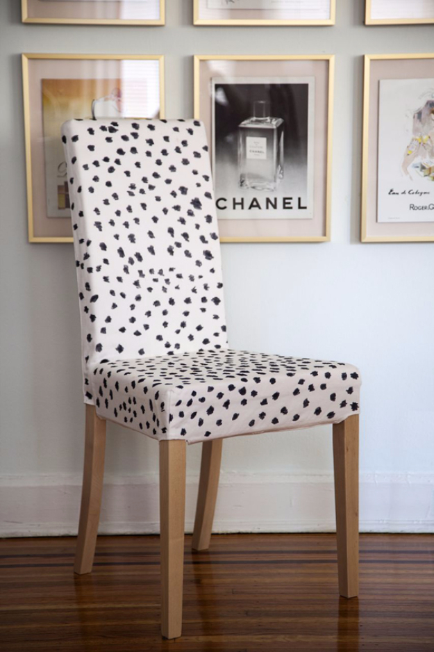DIY Sharpie Crafts - Sharpie Chair Cover - Cool and Easy Craft Projects and DIY Ideas Using Sharpies - Use Markers To Decorate and Design Home Decor, Cool Homemade Gifts, T-Shirts, Shoes and Wall Art. Creative Project Tutorials for Teens, Kids and Adults http://diyjoy.com/diy-sharpie-crafts