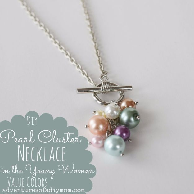 DIY Necklace Ideas - DIY Pearl Cluster Necklace - Easy Handmade Necklaces with Step by Step Tutorials - Pendant, Beads, Statement, Choker, Layered Boho, Chain and Simple Looks - Creative Jewlery Making Ideas for Women and Teens, Girls - Crafts and Cool Fashion Ideas for Women, Teens and Teenagers http://diyjoy.com/diy-necklaces