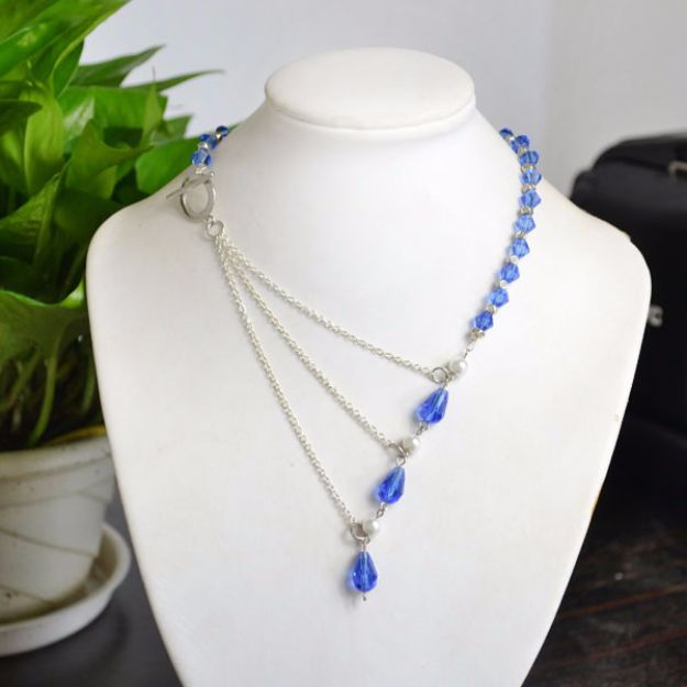 DIY Necklace Ideas - Ocean Style Chain Link Necklace with Crystal Beads - Easy Handmade Necklaces with Step by Step Tutorials - Pendant, Beads, Statement, Choker, Layered Boho, Chain and Simple Looks - Creative Jewlery Making Ideas for Women and Teens, Girls - Crafts and Cool Fashion Ideas for Women, Teens and Teenagers http://diyjoy.com/diy-necklaces