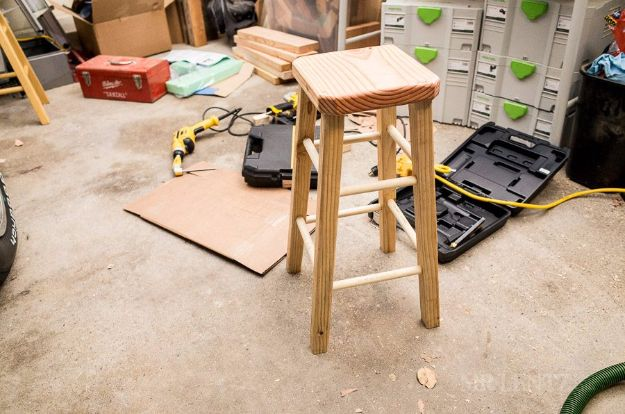 DIY Barstools - Bar Stool DIY - Easy and Cheap Ideas for Seating and Creative Home Decor - Do It Yourself Bar Stools for Modern, Rustic, Farmhouse, Shabby Chic, Industrial and Simple Classic Decor - Do It Yourself Dining Room Seating Complete With Step by Step Tutorials http://diyjoy.com/diy-barstools