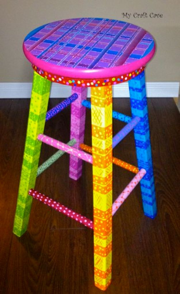 DIY Barstools - DIY Swivel Stool - Easy and Cheap Ideas for Seating and Creative Home Decor - Do It Yourself Bar Stools for Modern, Rustic, Farmhouse, Shabby Chic, Industrial and Simple Classic Decor - Do It Yourself Dining Room Seating Complete With Step by Step Tutorials http://diyjoy.com/diy-barstools