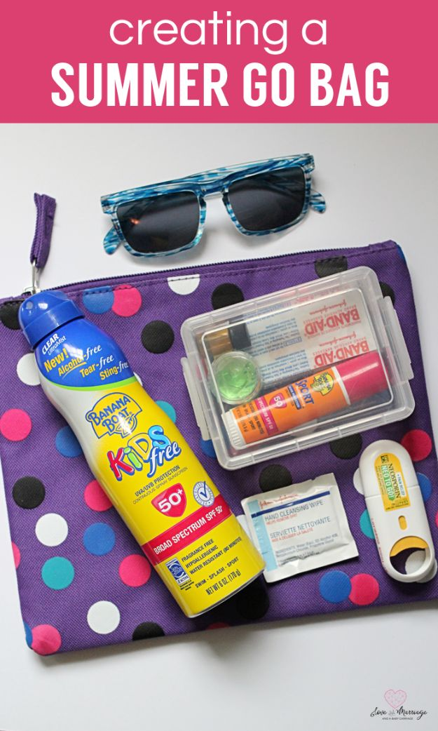 DIY Hacks for Summer - Create A Summer Go Bag - Easy Projects to Try This Summer To Get Organized, Spend Time Outdoors, Play With The Kids, Stay Cool In The Heat - Tips and Tricks to Make Summertime Awesome - Crafts and Home Decor by DIY JOY http://diyjoy.com/diy-hacks-summer