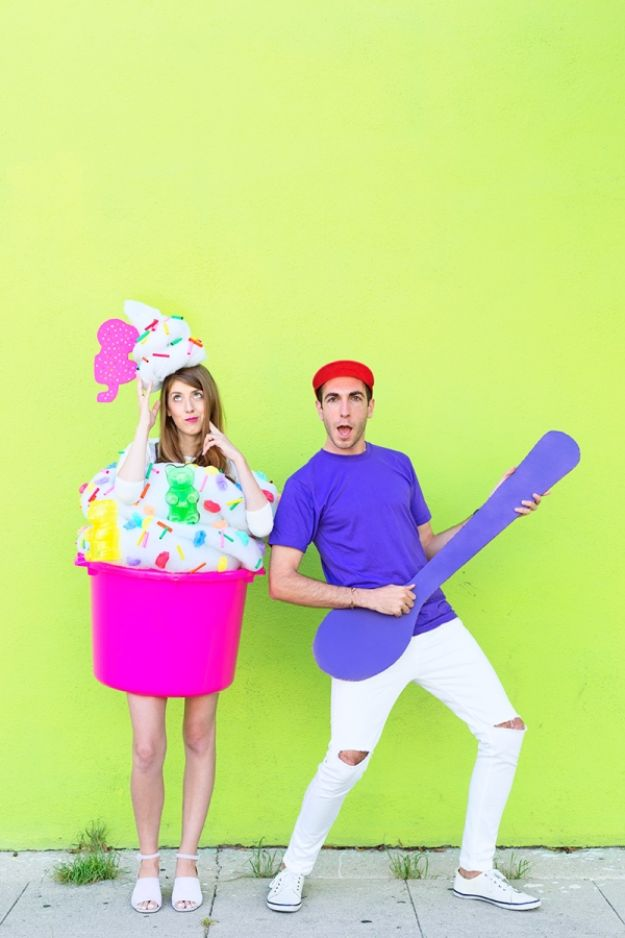 DIY Halloween Costumes for Couples - DIY Fro-yo Costume - Funny, Creative and Scary Ideas for Parties, College Party - Unique and Cute Project Idea for Disney Characters, Superhero, Movie Themes, Bonnie and Clyde, Homemade Costume Projects for Boyfriends - Quick Last Minutes Halloween Costume Ideas from Pinterest http://diyjoy.com/best-halloween-costumes-couples