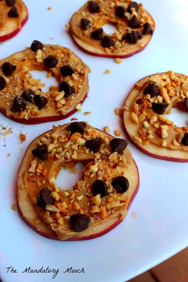 Back to School Lunch Ideas - Apple Slice Snacks - Quick Snacks, Lunches and Homemade Lunchables - Bento Box Style Lunch for People in A Hurry - Fast Lunch Recipes to Pack Ahead - Healthy Ideas for Kids, Teens and Adults http://diyjoy.com/back-to-school-lunches