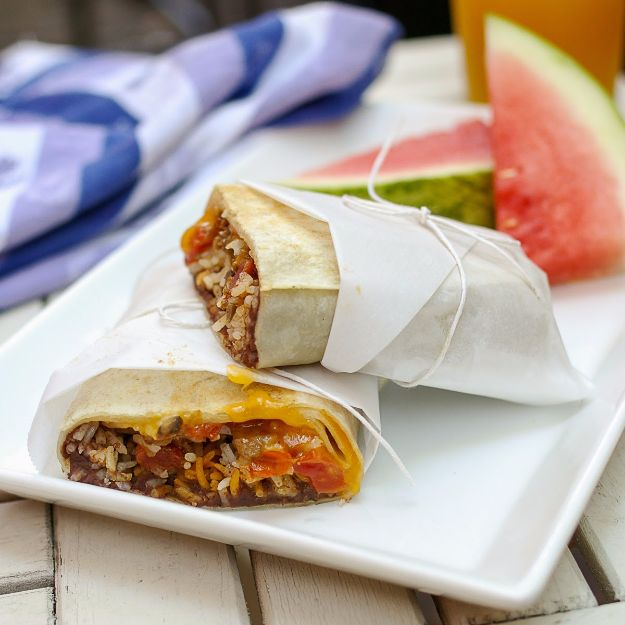 Back to School Lunch Ideas - Beef Mushroom Burrito - Quick Snacks, Lunches and Homemade Lunchables - Bento Box Style Lunch for People in A Hurry - Fast Lunch Recipes to Pack Ahead - Healthy Ideas for Kids, Teens and Adults http://diyjoy.com/back-to-school-lunches