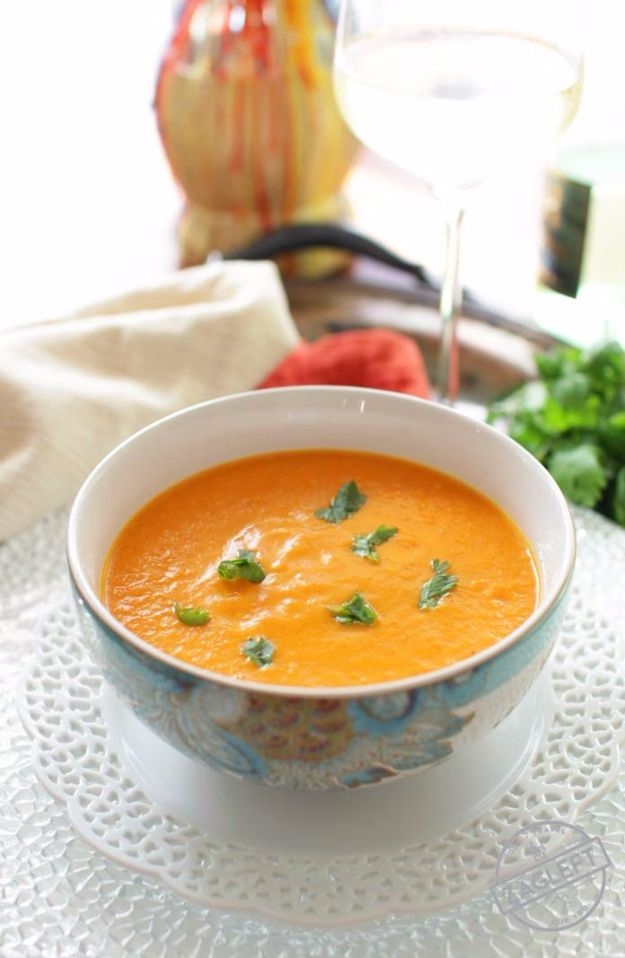 Easy Dinner Ideas for One - Curried Carrot Soup For One - Quick, Fast and Simple Recipes to Make for a Single Person - Freeze and Make Ahead Dinner Recipe Tips for Best Weeknight Dinners for Singles - Chicken, Fish, Vegetable, No Bake and Vegetarian Options - Crockpot, Microwave, Healthy, Lowfat Options http://diyjoy.com/easy-dinners-for-one