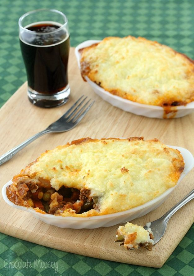 Easy Dinner Ideas for Two - Guinness Shepherd's Pie For Two - Quick, Fast and Simple Recipes to Make for Two People - Freeze and Make Ahead Dinner Recipe Tips for Best Weeknight Dinners - Chicken, Fish, Vegetable, No Bake and Vegetarian Options - Crockpot, Microwave, Healthy, Lowfat Options http://diyjoy.com/easy-dinners-for-two