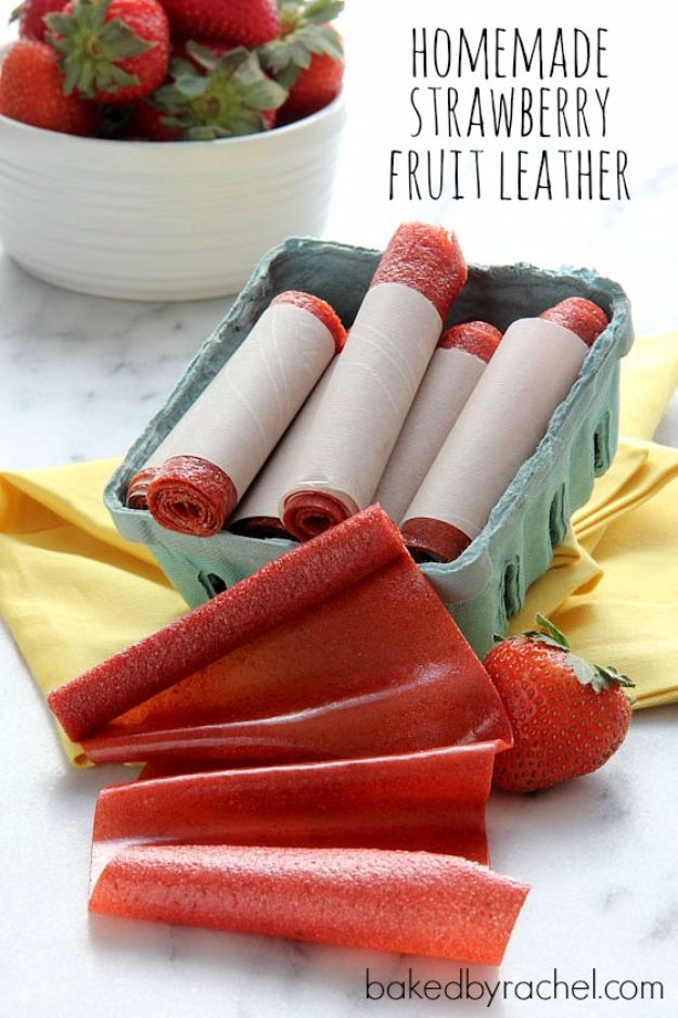 Back to School Lunch Ideas - Homemade Strawberry Fruit Leather - Quick Snacks, Lunches and Homemade Lunchables - Bento Box Style Lunch for People in A Hurry - Fast Lunch Recipes to Pack Ahead - Healthy Ideas for Kids, Teens and Adults http://diyjoy.com/back-to-school-lunches