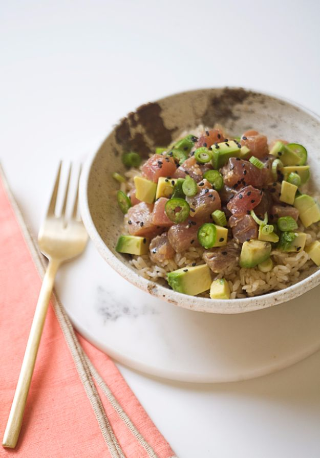 Easy Dinner Ideas for One - Poke Avocado Bowl - Quick, Fast and Simple Recipes to Make for a Single Person - Freeze and Make Ahead Dinner Recipe Tips for Best Weeknight Dinners for Singles - Chicken, Fish, Vegetable, No Bake and Vegetarian Options - Crockpot, Microwave, Healthy, Lowfat Options http://diyjoy.com/easy-dinners-for-one