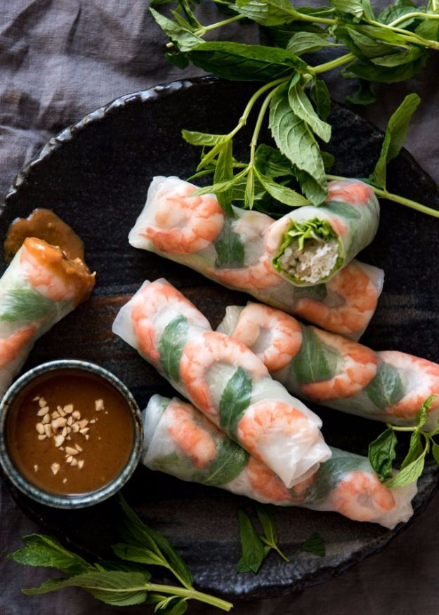 Easy Dinner Ideas for Two - Vietnamese Rice Paper Rolls - Quick, Fast and Simple Recipes to Make for Two People - Freeze and Make Ahead Dinner Recipe Tips for Best Weeknight Dinners - Chicken, Fish, Vegetable, No Bake and Vegetarian Options - Crockpot, Microwave, Healthy, Lowfat Options http://diyjoy.com/easy-dinners-for-two