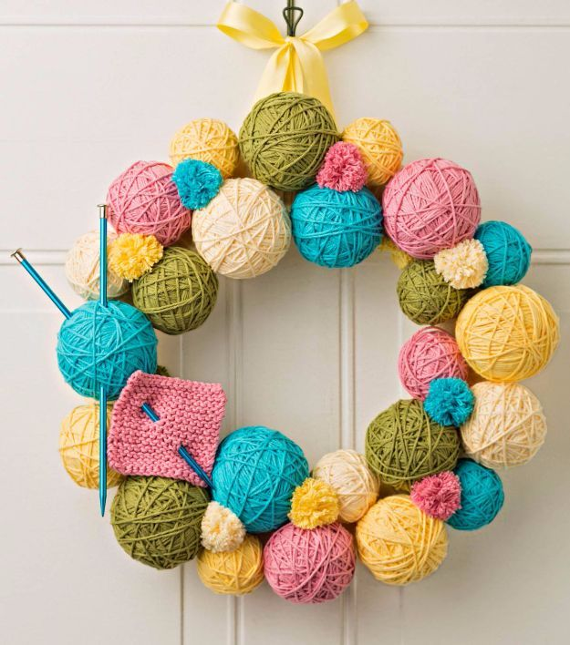 DIY Ideas With Yarn and Best Yarn Crafts - Yarn Ball Wreath - Wall Hangings, Easy Dream Catchers, Crochet Ideas for Teens, Adults and Kids - Knitting , No Sew and Weaving Projects Make Awesome Wall Art and Home Decor on A Budget http://diyjoy.com/diy-ideas-yarn