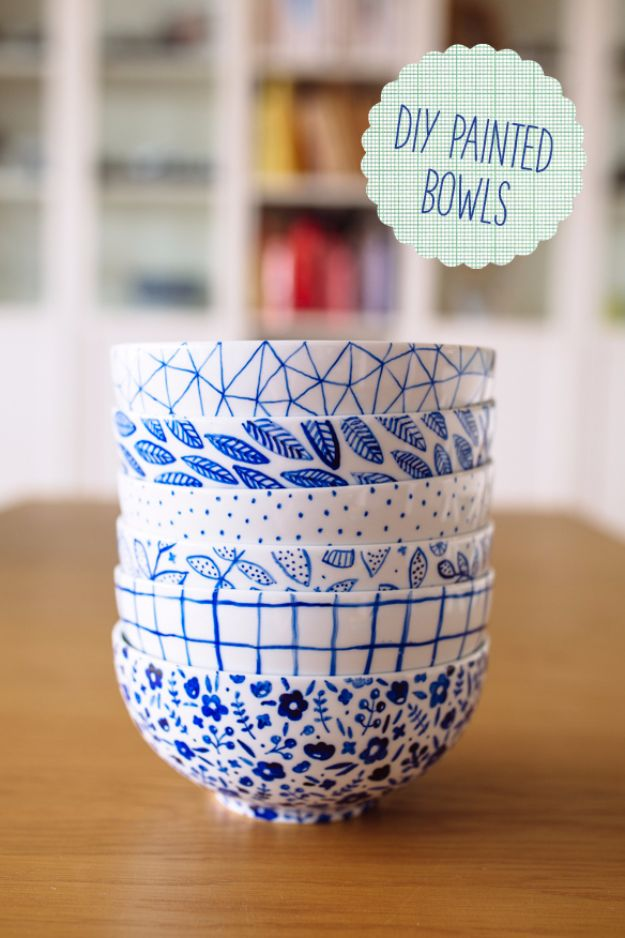 Cool Gifts to Make For Mom - DIY Painted Bowls - DIY Gift Ideas and Christmas Presents for Your Mother, Mother-In-Law, Grandma, Stepmom - Creative , Holiday Crafts and Cheap DIY Gifts for The Holidays - Thoughtful Homemade Spa Day Gifts, Creative Wall Art, Special Ideas for Her - Easy Xmas Gifts to Make With Step by Step Tutorials and Instructions http://diyjoy.com/cheap-holiday-gift-ideas-to-make