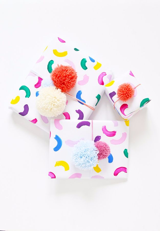Cool Gift Wrapping Ideas - Easy Colorful Gift Wrap - Creative Ways To Wrap Presents on A Budget - Best Christmas Gift Wrap Ideas - How To Make Gift Bags, Reuse Wrapping Paper, Make Bows and Tags - Cute and Easy Ideas for Wrapping Gifts for the Holidays - Step by Step Instructions and Photo Tutorials http://diyjoy.com/gift-wrapping-tutorials