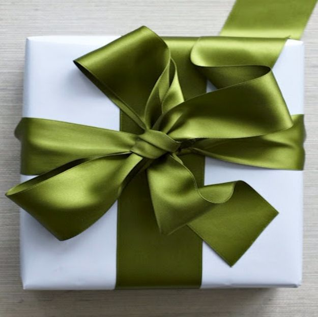 Creative Bows For Packages - Perfect Satin Bow - Make DIY Bows for Christmas Presents and Holiday Gifts - Cute and Easy Ideas for Making Your Own Bows and Ribbons - Step by Step Tutorials and Instructions for Tying A Bow - Cheap and Crafty Gift Wrapping Ideas on A Budget http://diyjoy.com/diy-bows-gifts-packages