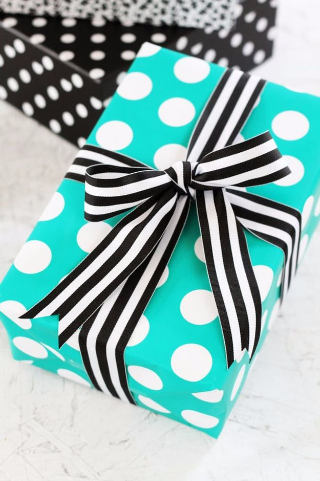 Creative Bows For Packages - Tie a Perfect Ribbon Bow for a Gift - Make DIY Bows for Christmas Presents and Holiday Gifts - Cute and Easy Ideas for Making Your Own Bows and Ribbons - Step by Step Tutorials and Instructions for Tying A Bow - Cheap and Crafty Gift Wrapping Ideas on A Budget http://diyjoy.com/diy-bows-gifts-packages