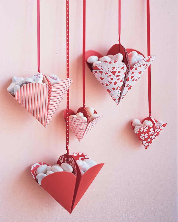 DIY Valentines Day Gifts for Her - Bonbon-Filled Hearts - Cool and Easy Things To Make for Your Wife, Girlfriend, Fiance - Creative and Cheap Do It Yourself Projects to Give Your Girl - Ladies Love These Ideas for Bath, Yard, Home and Kitchen, Outdoors - Make, Don't Buy Your Valentine http://diyjoy.com/diy-valentines-gifts-her